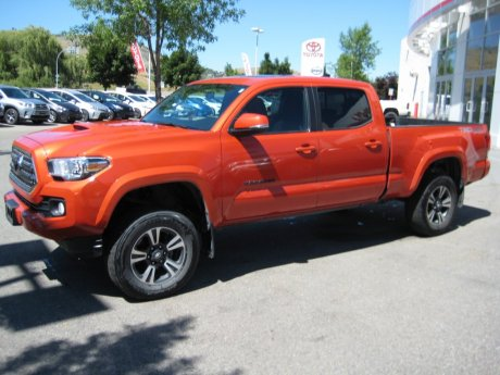 2016 Toyota Tacoma TRD SPORT with SUNROOF AND LIFT